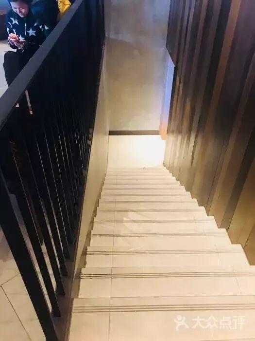 上海万象城星巴克臻选 - panDOMO装潢出了宽敞与舒适